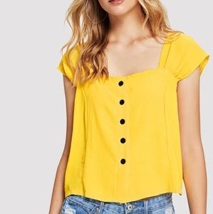 Tops - Mustard yellow pleated cap sleeve blouse M